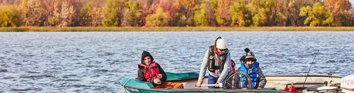 Fishing in fall at Pourvoirie Roger Gladu