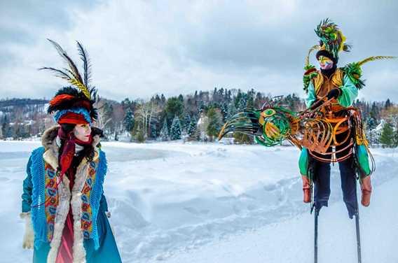 Échassiers à la Féérie d'hiver de Saint-Donat