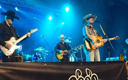 Spectacle au Rendez-vous country de Saint-Michel-des-Saints
