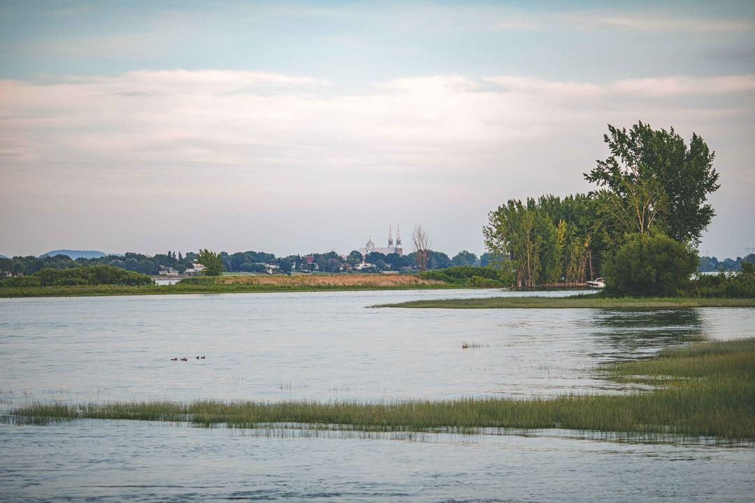 Vue sur Verchères sur le fleuve Saint-Laurent
