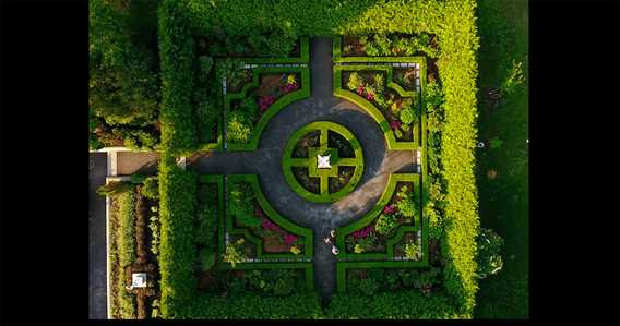 Garden of Maison Antoine-Lacombe from air