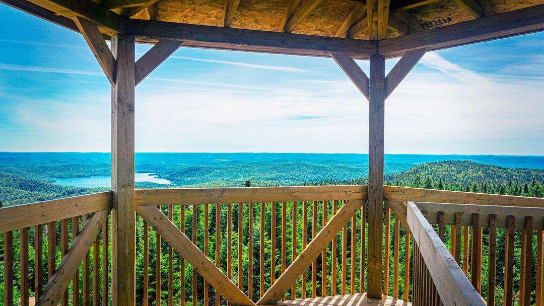 La vue du Mirador de la Montagne Noire à Saint-Donat