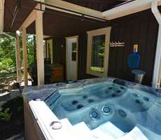 Cottage for rent with 4 seasons spa