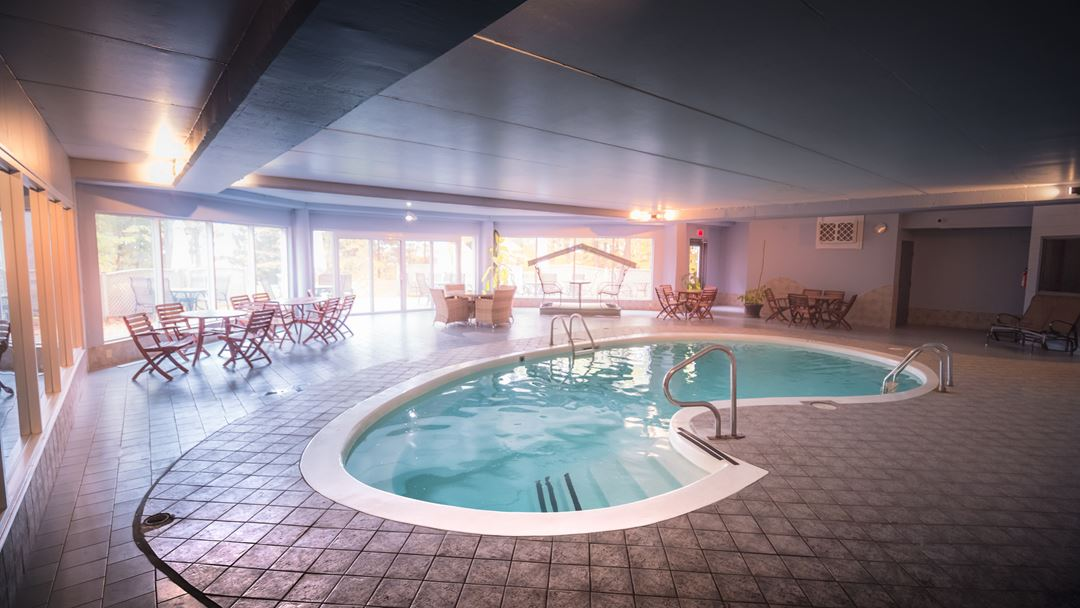 Indoor pool at Montagne Coupée