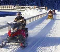 snowmobile-package-domaine-renard-bleu