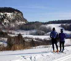 Cross-country skiing at Auberge de la Montagne Coupée