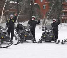 Aberge Lac Taureau snowmobile rental