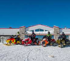 Snowmobile-package-Auberge-Cababon