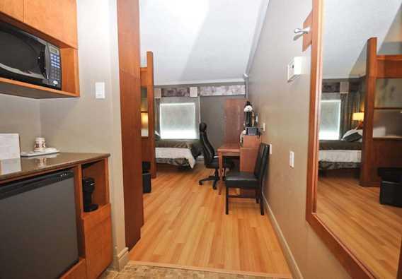 Room at Days Inn Berthierville