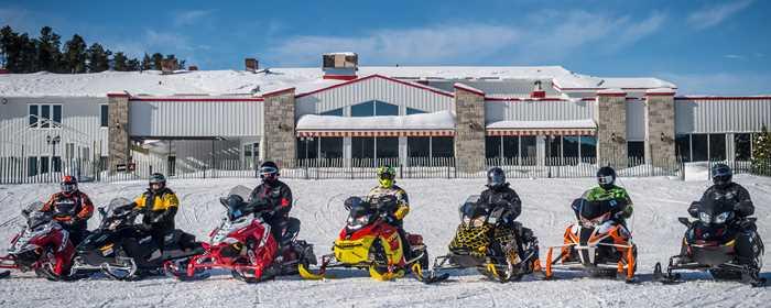 auberge-cabanon-hotel-snowmobile