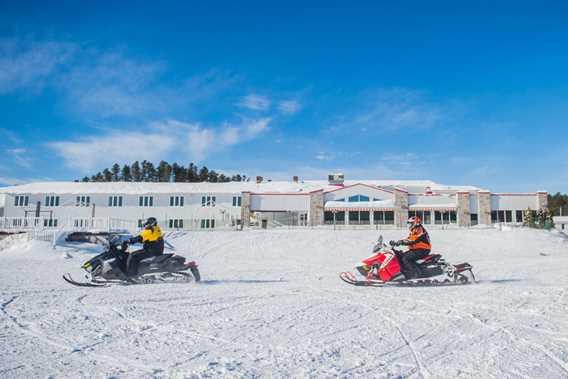 auberge-cabanon-hotel-motoneige