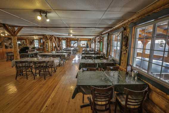 Salle à manger de la Pourvoirie du Lac du Repos