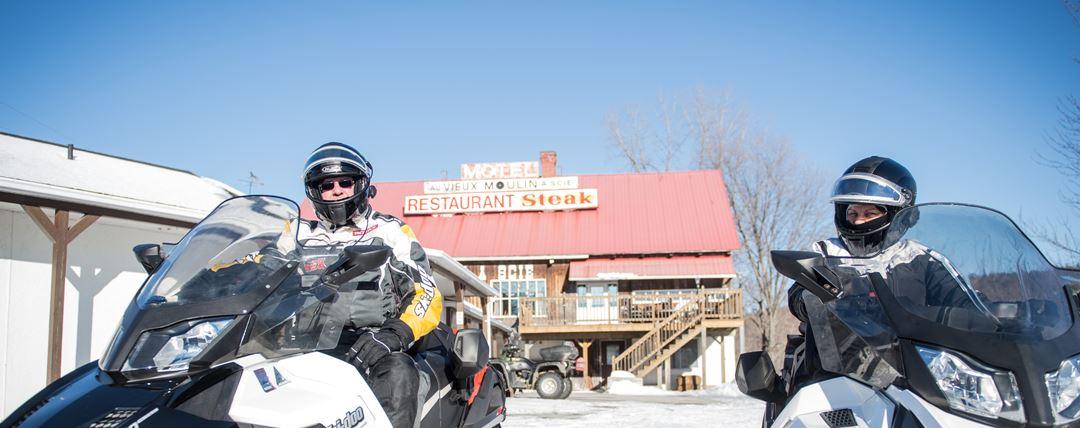 restaurant-motel-vieux-moulin-scie-snowmobile