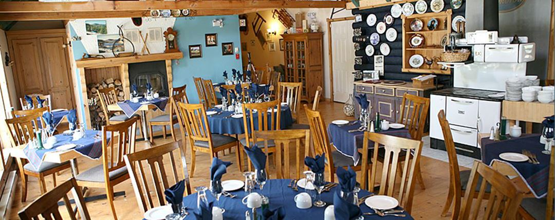 auberge-vieux-moulin-restaurant-snowmobile