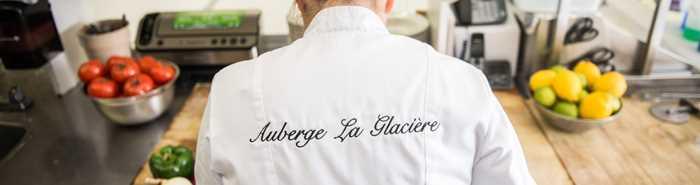 auberge-glaciere-restaurant-snowmobile