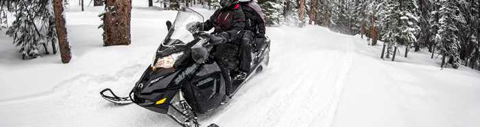 snowmobile-rental-motoneiges-gero-brp-skidoo