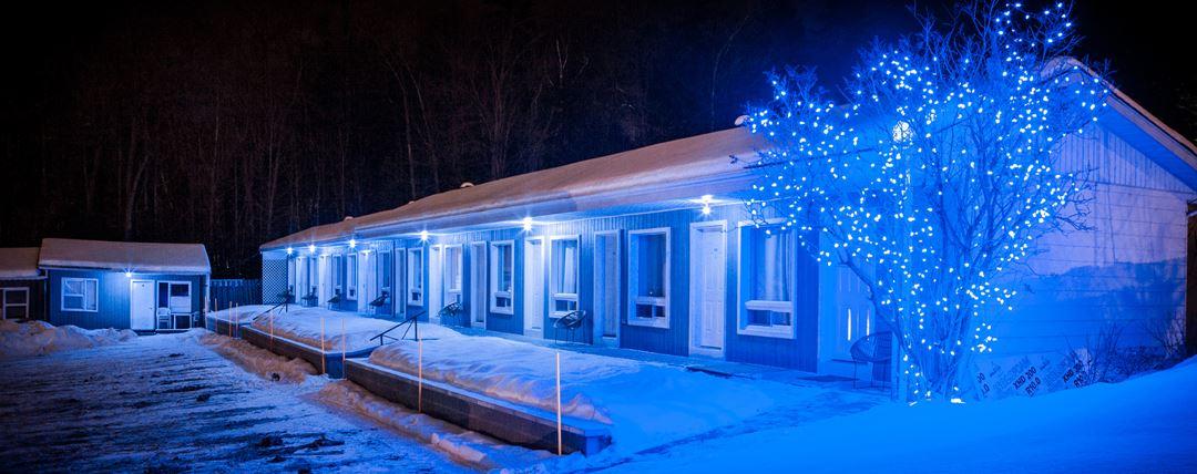 la-cache-du-lac-motel-snowmobile
