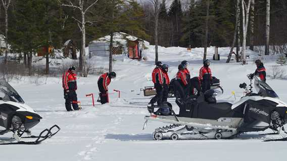 pourvoirie-pignon-rouge-mokocan-snowmobile-guide-services
