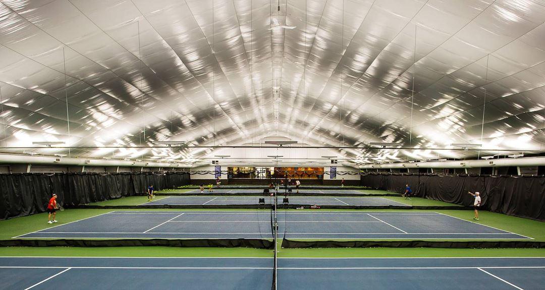 tennis-courts-inside-centre-recreatif-de-repentigny