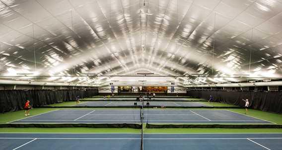 terrain-tennis-intérieurs-centre-recreatif-de-repentigny