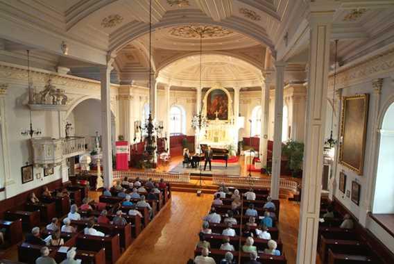 Spectacle du Festival de Lanaudière dans une église