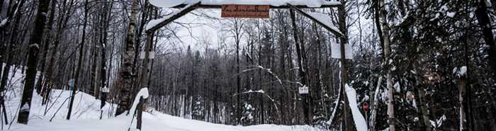 Hiking trails in winter at Les Sentiers Brandon