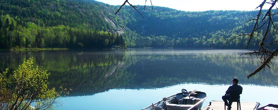 Pêche sur le lac à l'Auberge La Glacière
