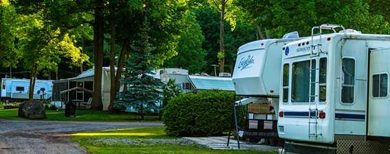 Van at Camping Horizon
