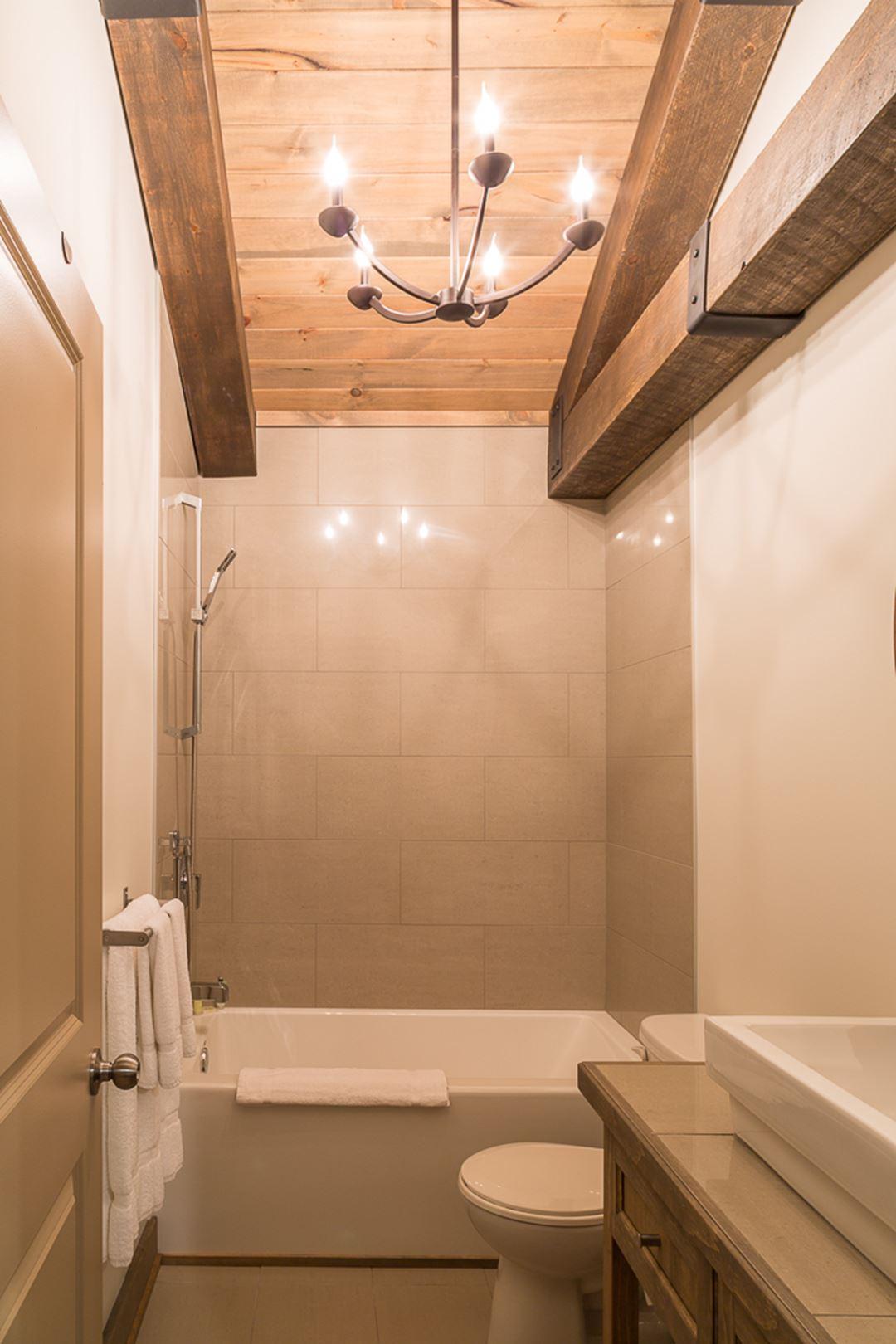 Hôtel-Spa Le Suisse salle de bain