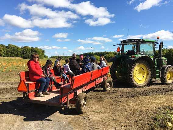 Tours de tracteurs at Ferme Mathieu Lavoie