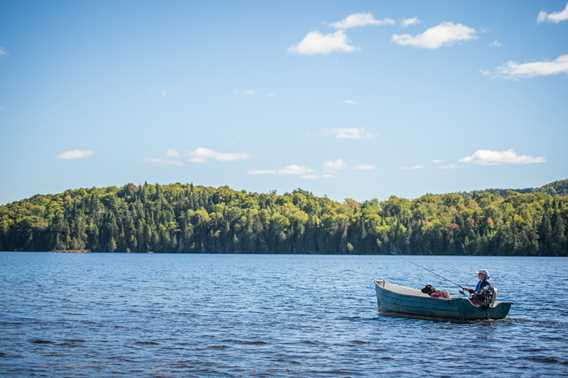 Fishing boat at Outfitter Domaine du Renard Bleu