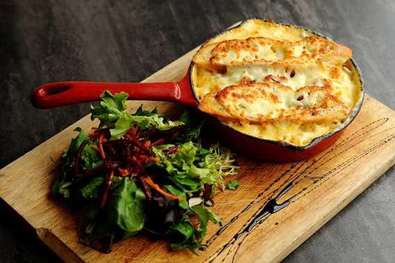 Mac n cheese at L'Atre restaurant