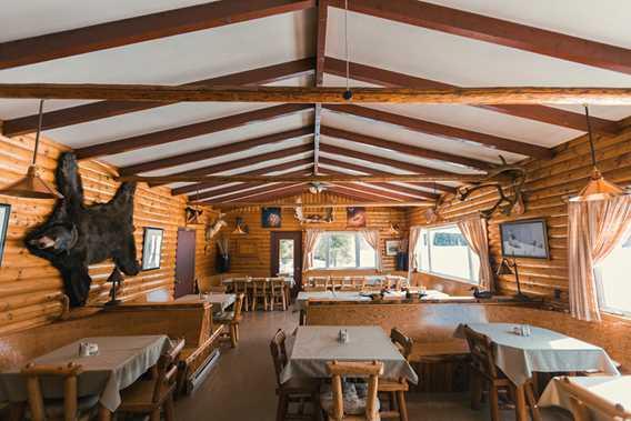 Salle à manger de l'Auberge Pourvoirie Kanamouche