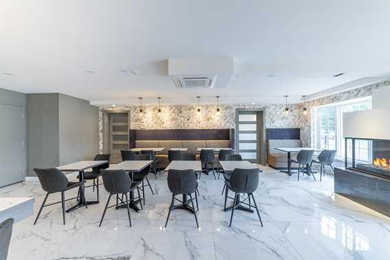 Les Suites de Laviolette lobby