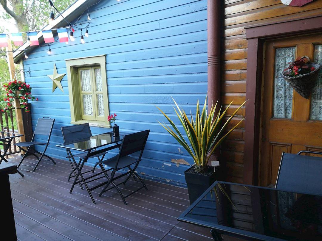 Terrasse du restaurant Le Prieuré
