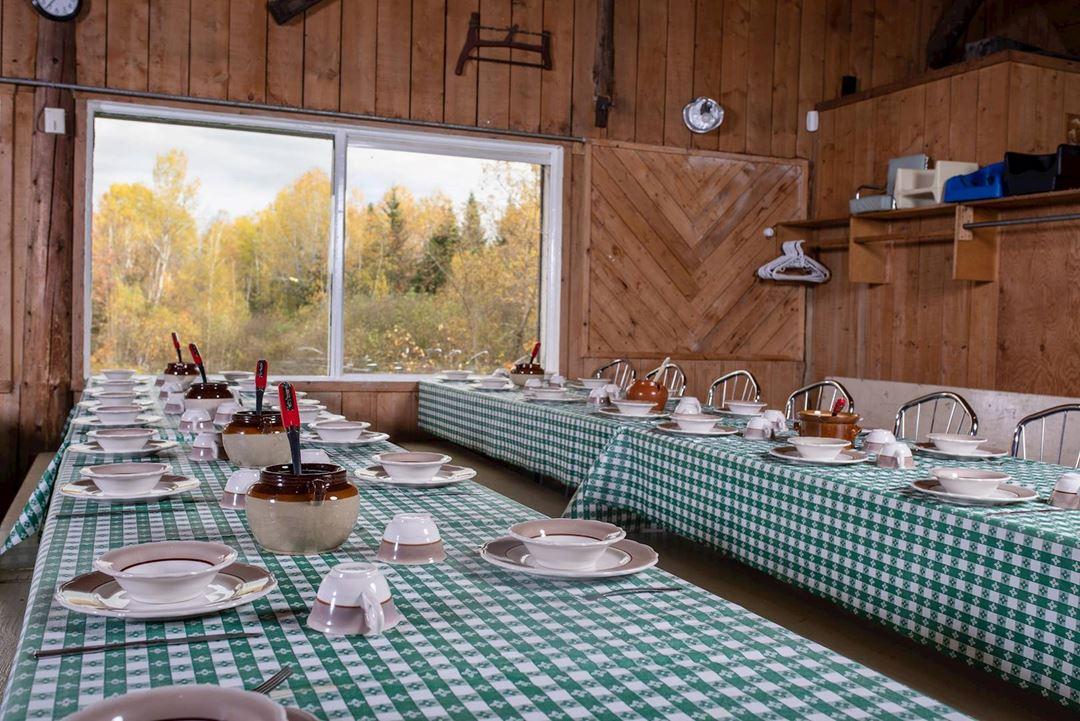 Un repas traditionnel servis dans une ambiance chaleureuse