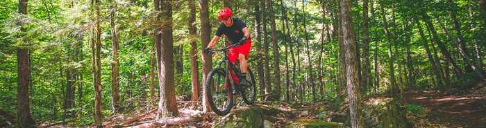 Vélo de montagne à la Tournée des Cantons de Rawdon