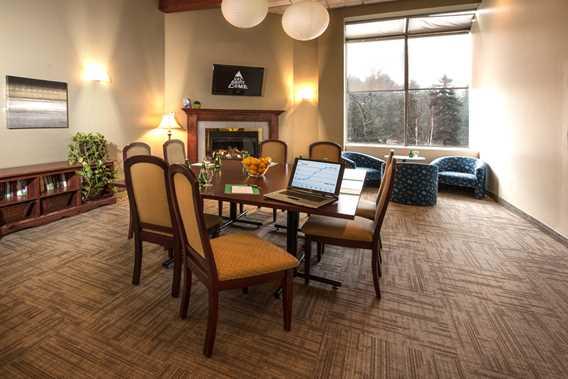Meeting room at Auberge Val Saint-Côme
