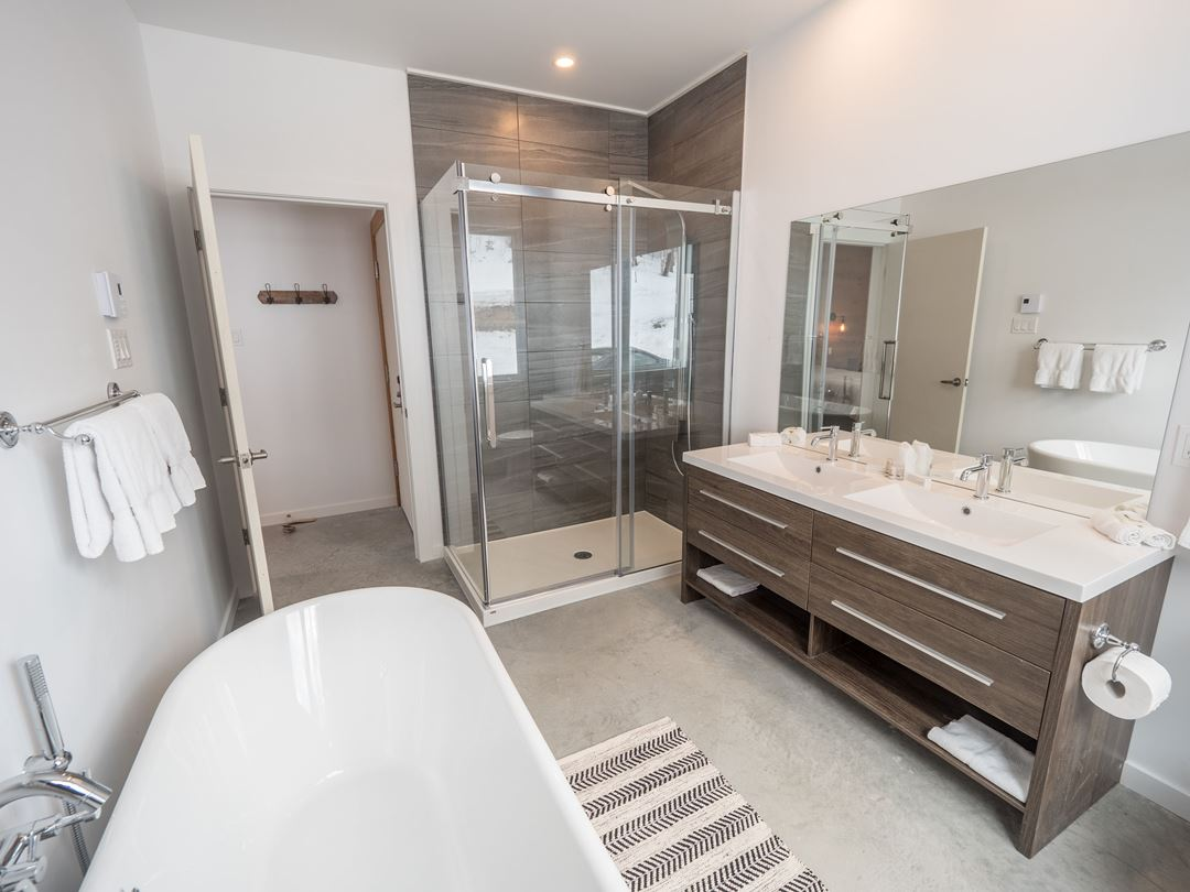 Bathroom at Chalets au Lac Taureau