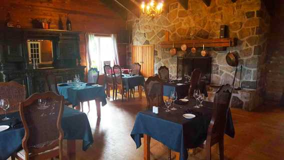 Dining room at Restaurant de l'Auberge Ma Maison