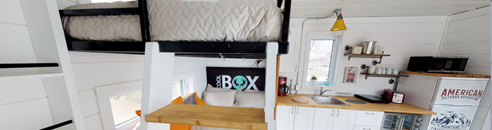 Ready-to-camp coolbox at Camping La Baie