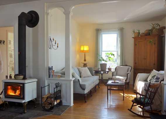 Living room at gîte Chêne et Capucine