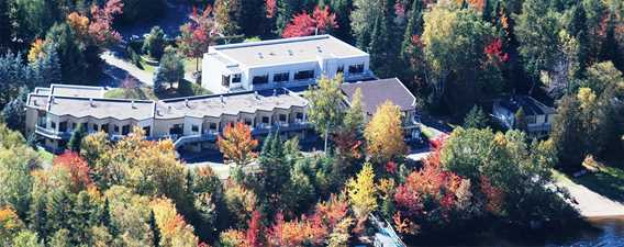 The vacation center Étoile du Nord in fall