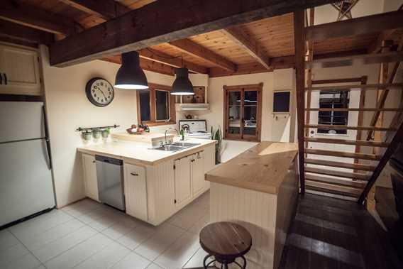 Kitchen at Chic Chalet des Chutes
