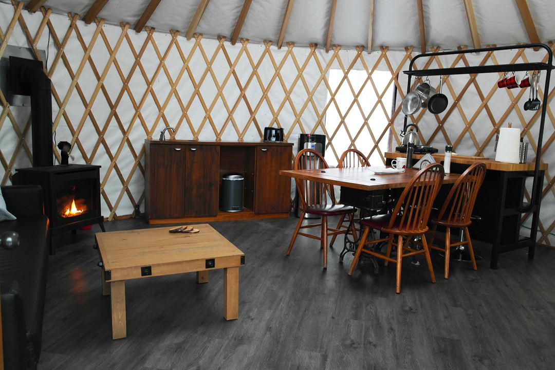 Indoor of the yurt of Ma yourte au coeur des collines