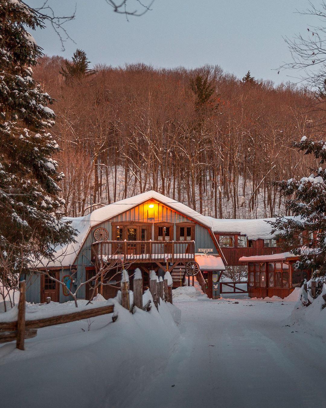 Auberge Le Cheval Bleu en hiver