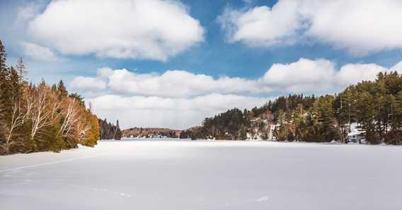 Le lac en hiver au Centre plein air l'Étincelle