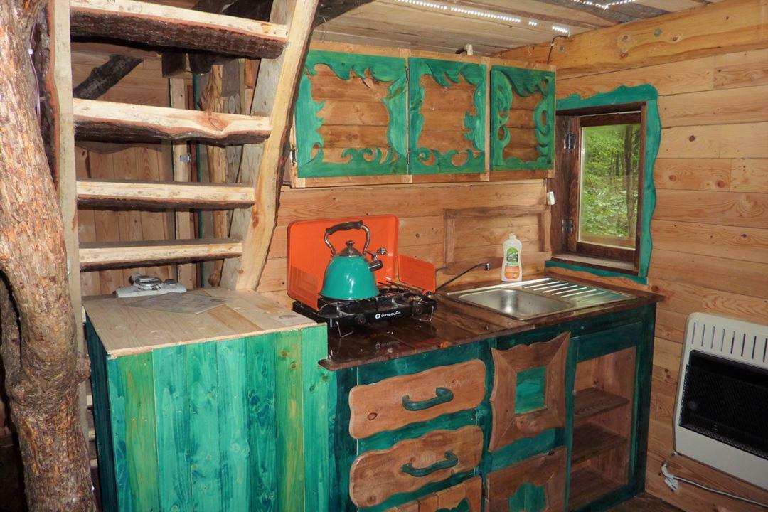 les-pieds-sur-terre-lodging-nid-delfe-indoor