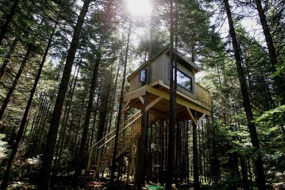 Kabania-cabanes-dans-les-arbres