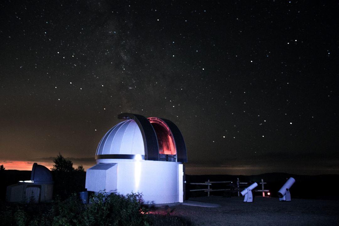 Observatoire de Saint-Zénon la nuit